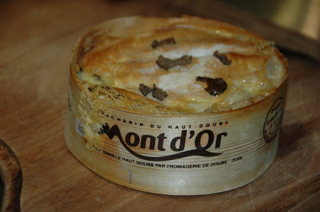 """Mont d'Or à la """"Truffe de Bourgogne"""""""